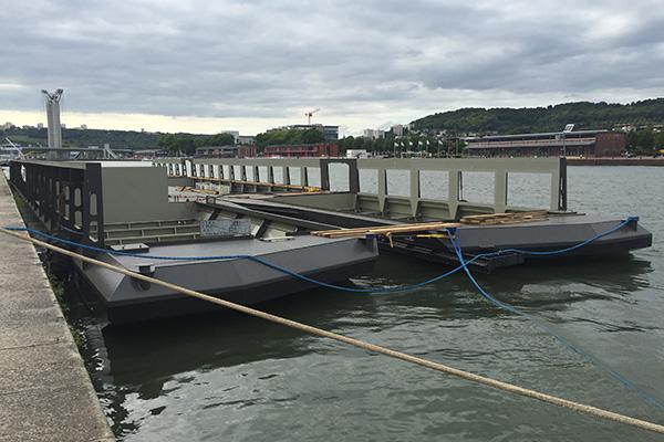 Barges accueillant les modules